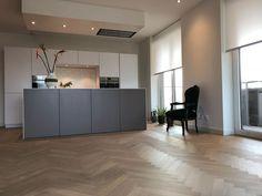 Kitchen Hoods, Kitchen Cupboards, Kitchen Interior, Kitchen Design, Luxury Living, Sweet Home, New Homes, Indoor, Flooring