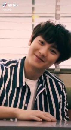 Chanyeol Cute, Park Chanyeol Exo, Kpop Exo, Kyungsoo, Exo Music, Exo Songs, Exo Album, Exo Lockscreen, Cute Baby Videos