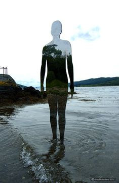 UK-based artist Rob Mulholland recently created a new site-specific installation for a group exhibition at the Caol Ruadh Sculpture Park in Scotland. Unlik
