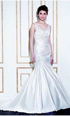 Enzoani Ghimbi 12 find it for sale on PreOwnedWeddingDresses.com