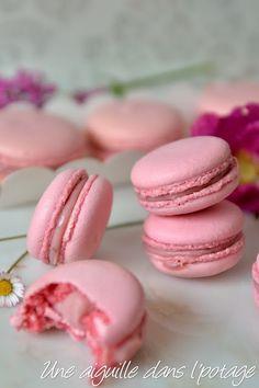 Ganache Macaron, Macaron Recipe, Biscuit Cookies, Biscuit Recipe, Christophe Felder, Fancy Desserts, Healthy Meal Prep, Sweet Recipes, Cookie Recipes
