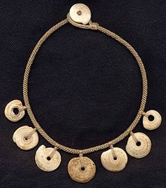 Katie Singer's Jewelry - New Guinea kwalia shells necklace