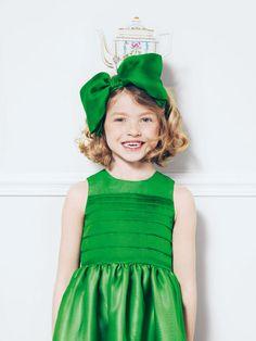 Mode Noël enfant : les tenues de fête Baby Dior pour filles : Mode enfant Baby Dior : la robe de gala - Maman Plurielles.fr