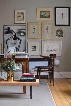 En sammanfattning av helgen från vårt arbetsrum och stora skrivbord som vi verkligen är supernöjda med. Tavelväggen gör sitt för att skapa hälsa i rummet.
