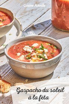 La recette du gaspacho du soleil à la féta #cuisineactuelle #gaspacho #feta Curry, Low Carb, Ethnic Recipes, Sexy, Food, Cream Soups, Cooking Recipes, Hispanic Kitchen, Curries