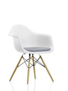 Stuhl aus Polycarbonat mit Armlehne, Eames Plastic Armchair, Charles & Ray Eames, 1950, Bild: © Vitra
