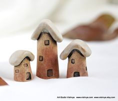 3 Rustic Houses of tiny fairies - Hand Made Ceramic Eco-Friendly Home Decor by studio Vishnya Clay Houses, Ceramic Houses, Miniature Houses, Mini Houses, Tiny Little Houses, City Illustration, Eco Friendly House, Round House, Winter House
