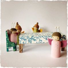 Peg Doll Furniture. Free printables from The Toymaker