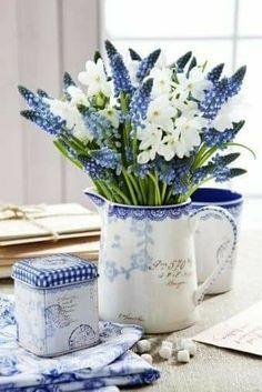 Deco Floral, Arte Floral, Floral Design, Cut Flowers, Fresh Flowers, Spring Flowers, Beautiful Flower Arrangements, Floral Arrangements, Beautiful Flowers