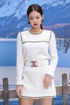 Blackpink Jennie, Korean Singer, Asian Girl, Chanel, Sweaters, Clothes, Collection, Dresses, Snow White