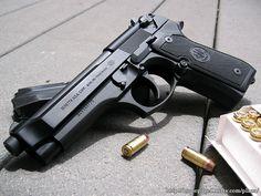 Beretta 92FS 9mm babyyy!!!
