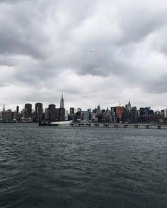This place stole my lil heart  #newyork #ny #brooklyn #skyline #city #winter #vsco #vscogood #vscocam by kianamccourt