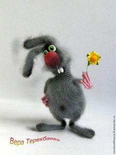 Игрушки животные, ручной работы. Ярмарка Мастеров - ручная работа. Купить Вязаная игрушка заяц Крош. Handmade. Серый