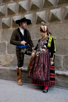 Traje regional tradicional segoviano. Traje de gala. Castilla y Leon