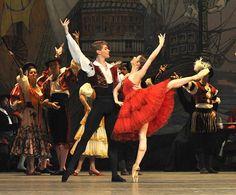Kitri - Yevgenia Obraztsova and Basil - Alexei Timofeyev in Don Quixote  John Ross ©