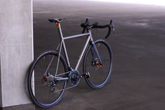 VPACE road titanium frame with ISP and disc brakes. SRAM and Tune parts and Chris King headset. Road Bikes, Cycling Bikes, Mountain Bicycle, Mountain Biking, Titanium Road Bike, Cross Country Trip, Road Bike Women, Cool Motorcycles, Bicycle Design