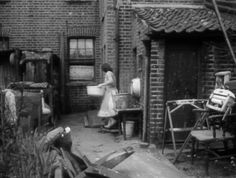 Bath time for a south London Family in Camberwell South East London in 1959 showing a Victorian house backyard garden Victorian Homes Exterior, Victorian Front Doors, London Pride, South London, East Street, London Street, Vintage London, Old London, Edwardian House
