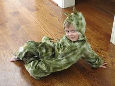 :)  hunter did this 2 yrs ago,,,still have the costume,,,for other grandboys