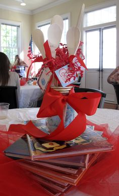 Happy Homemaker centerpiece with wooden spoon party favors :)