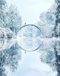 Rakotzbrücke, Germany in the snow! | PC: @jacob