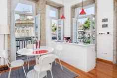 Logement entier à Porto (Portugal). if want to enjoy the urban vibe of Porto, then this is the ideal place for you. A stunning luxury two-bedroom duplex apartment is located in one of. Large Tub, Penthouse Apartment, Urban Loft, Flat Rent, Pent House, Two Bedroom, Home Goods, Interior Design, Home Decor