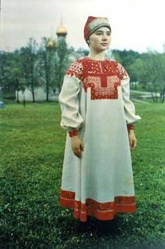 Женский свадебный костюм. Конец XIX - начало XXвв. Тверская губерния