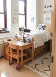 36 Creative Dorm Room Decor Ideas on A Budget