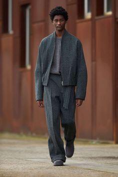 Fashion News, Fashion Show, Men's Fashion, Fashion Trends, Streetwear, Mens Fashion Wear, Mens Fall, Stitching Leather, Vogue Russia