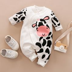 Baby Outfits, Pajama Outfits, Winter Baby Clothes, Baby Winter, Boy And Girl Cartoon, Cartoon Cow, Baby Cartoon, Kids Costumes Girls, Long Sleeve Romper
