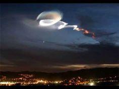 Interessantes img nos céus, motivando-nos a sempre olharmos para eles. Algumas delas são fenômenos físicos raros, outros podem ser montagens e outras img não sabemos o que seja... Sessão de imagens de estranhos fenômenos nos céus - YouTube