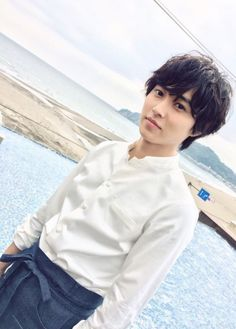 "[Preview, 06/14/16] https://twitter.com/pawafurugirlH/status/742652723028328448  Mirei Kiritani x Kento Yamazaki x Shohei Miura x Shuhei Nomura, J drama ""Sukina hito ga iru koto"", starting from Jul/11/2016"