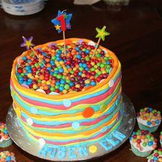 Ball party cake Ball Birthday, Birthday Stuff, Birthday Party Themes, Birthday Cake, Bouncy Ball, Party Cakes, Birthdays, Party Ideas, Baking