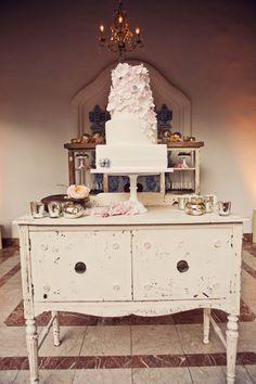 cake. cake table.