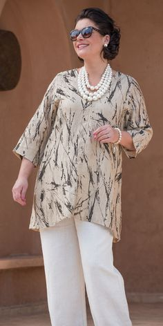 Kasbah sand/black linen printed v neck top