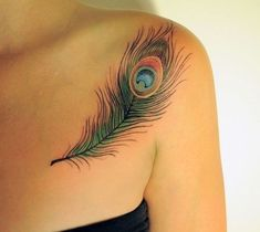 Get to witness the most amazing Feather tattoos deisgns 2020 here. We have the most splendid art styles that will tell you all the Feather tattoo meaning. Peacock Feather Tattoo Meaning, Feather Tattoo Arm, Peacock Tattoo, Feather Tattoo Design, Peacock Feathers, Foot Tattoos, Body Art Tattoos, New Tattoos, Trendy Tattoos