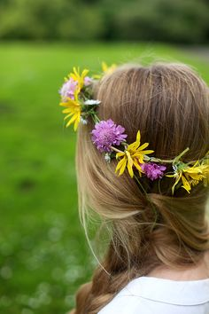 How to Make a Real Flower Crown | Say Yes