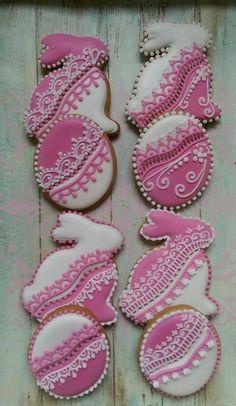 Easter cookies by Creative cookies Belgrade Easter Snacks, Easter Treats, Summer Cookies, Easter Cookies, Lace Cookies, Royal Icing Cookies, Galette, Cookie Decorating, Cookie Videos