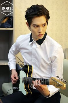 CNBLUE reveal a bunch of never-seen-before photos of Jonghyun for his birthday! | allkpop.com
