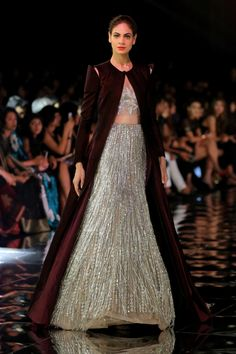 Glam-Chic Manish Malhotra Bridal Collection at 2017 India Couture Week Fashion Show – Designers Outfits Collection Indian Gowns, Indian Attire, Pakistani Dresses, Indian Outfits, Pakistani Bridal, Bridal Lehenga, Couture Week, Indian Designer Outfits, Designer Dresses