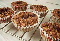 Sütöttél már banánnal muffint? Nem? Ideje kipróbálni! Meg fogsz lepődni, micsoda csodás, szaftos tészta lesz a végeredmény. És még másnap is puha marad. Már ha marad... Muffin, Cupcake, Sweets, Breakfast, Food, Sweet Pastries, Muffins, Gummi Candy, Cup Cakes