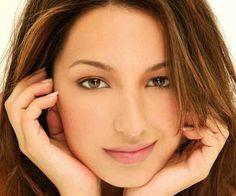 """Vanessa Lengies, FOX's hit series """"Glee"""" - 'Sugar Motta'!"""