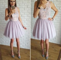 Sukienka tiulowa pudrowo - szara z gipiurą