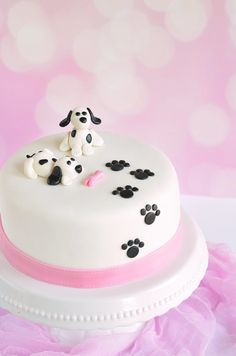 Puppy Birthday Parties, Puppy Cake, Sweet Desserts, Butter Dish, Sweets, Baking, Party, Food, Decorating Cakes