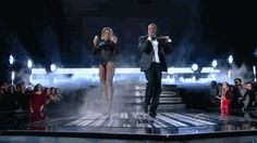 #grammys beyonce and jayz dancing w/ beyonce hip move