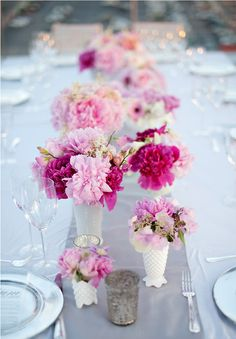 these pink arrangements make my heart flutter ... i know that's weird, but they are just amazing ...