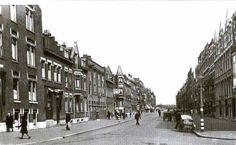 Soetendaalseweg Hoyledestraat. In het huis achter de winkel, een slagerij, links woonde mijn vriend John de Moor.