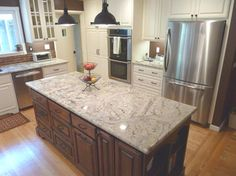 Sienna Bordeaux Kitchen - traditional - kitchen - san francisco - by Artistic Stone Kitchen & Bath Inc Stone Kitchen, Granite Kitchen, Kitchen And Bath, New Kitchen, Kitchen Ideas, Kitchen Paint, Kitchen Reno, How To Install Countertops, Granite Countertops