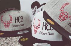 Dein Team brauch neu Caps? Dann kommt zu styleyourcap! Und gestaltet euch online eure individuellen hochwertig bestickten Teile! Snapback Cap, Style, Kustom, Stylus, Snapback Hats, Snapback