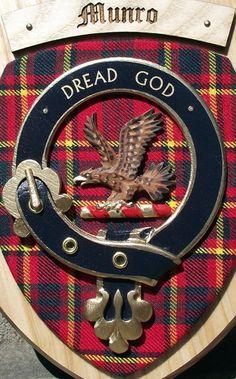 Clan Munro tartan and badge (James Alexander Hawethorne Monro)