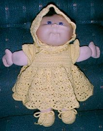 """Free pattern: Dress, Bonnet, Panties and Booties Set Fits 12"""" to 13"""" doll"""